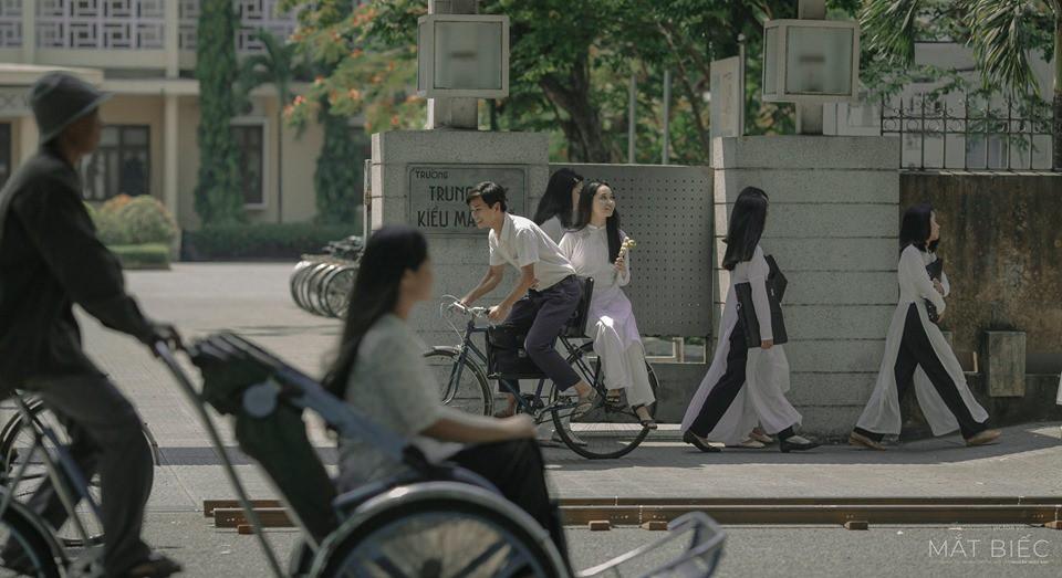 Bồi hồi ngắm nghía phố phường Việt Nam đầy hoài niệm với 5 bộ phim đình đám này! - Hình 2