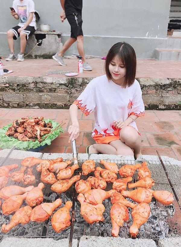 Gái xinh bị ném đá trong các vlog của bà Tân hóa ra là hotgirl nổi tiếng của Bắc Giang, tiết lộ sự thật về thu nhập khi tham gia đóng vlog - Hình 6