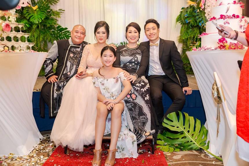 Xúc động bức tâm thư Lê Tuấn Anh viết cho con gái riêng của vợ: Ba hãnh diện về con - Hình 4