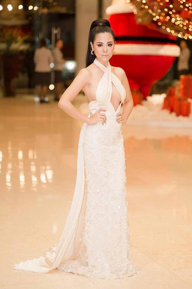 Top váy mặc như không: Người đẹp Việt ngày càng táo bạo không thua phụ nữ Tây Âu - Hình 15