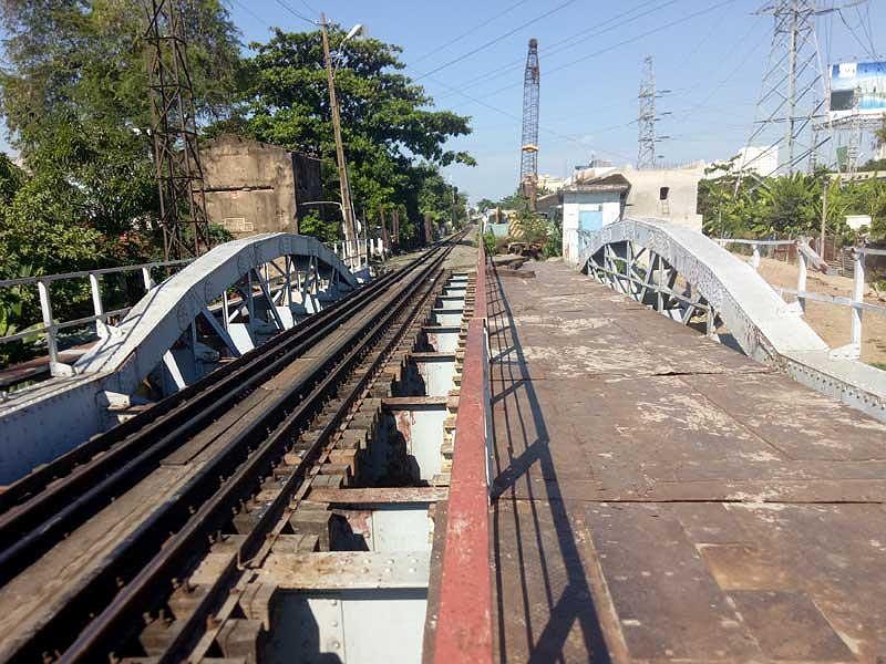 Bảo tồn 2 nhịp cầu đường sắt Bình Lợi - Hình 1