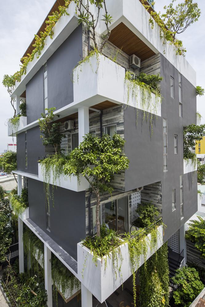 Vẻ ngoài xanh tươi, mát mẻ của khách sạn mô phỏng vườn treo Babylon - Hình 1