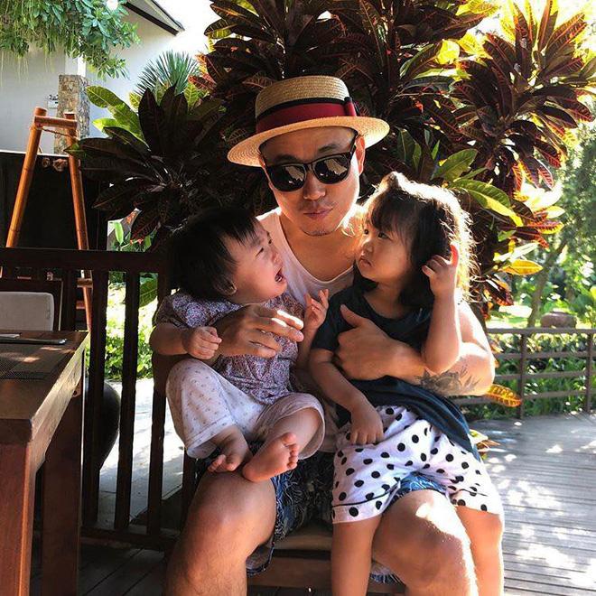 Kang Gary bất ngờ có mặt tại Đà Nẵng, thân thiện chụp ảnh nhưng phản ứng của fan mới đáng chú ý - Hình 5