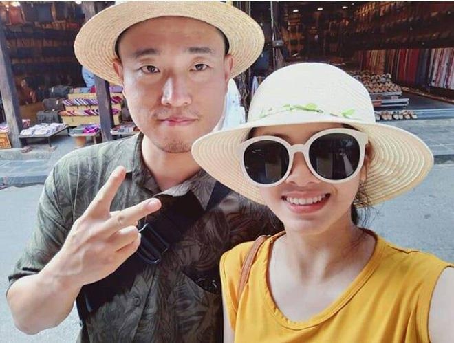 Kang Gary bất ngờ có mặt tại Đà Nẵng, thân thiện chụp ảnh nhưng phản ứng của fan mới đáng chú ý - Hình 1