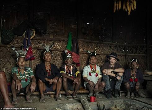 Kinh dị về bộ tộc diễu đầu người quanh làng cuối cùng ở Ấn Độ - Hình 5