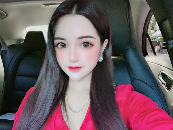 Búp bê sống Đà Nẵng: Mỗi lần ra đường phải make-up, chọn trang phục kỹ lưỡng - Hình 7
