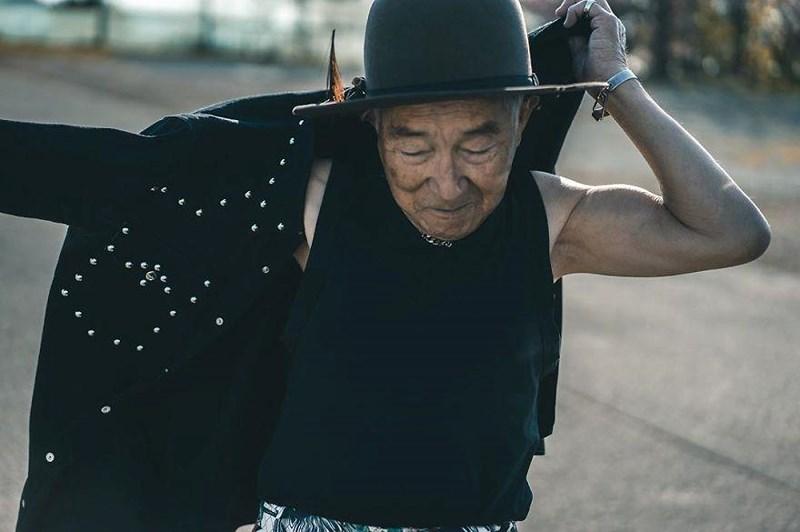Choáng với độ ngầu ông nội thời trang Nhật Bản - Hình 9