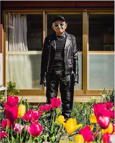 Choáng với độ ngầu ông nội thời trang Nhật Bản - Hình 2