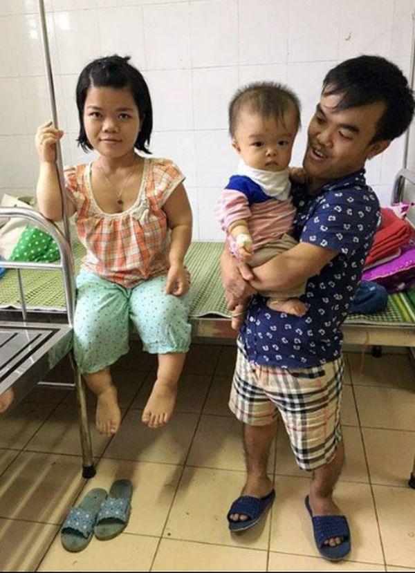 Cuộc sống khốn khó nhưng ngập tràn hạnh phúc của đôi vợ chồng tí hon, chỉ cao 1 mét ở Hà Nội - Hình 9