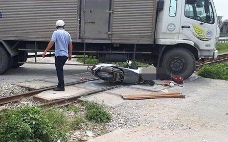 Hải Dương: Xe tải va chạm xe máy, một phụ nữ bị tông tử vong - Hình 1