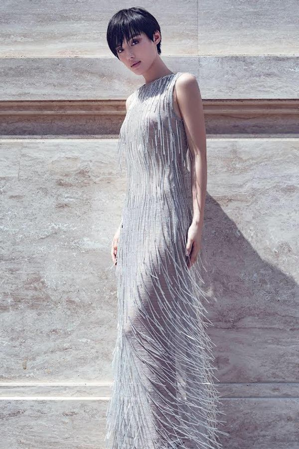 Hoa hậu Hương Giang cãi lời nhà thiết kế, tự biến tấu váy áo và đây là cái kết - Hình 7