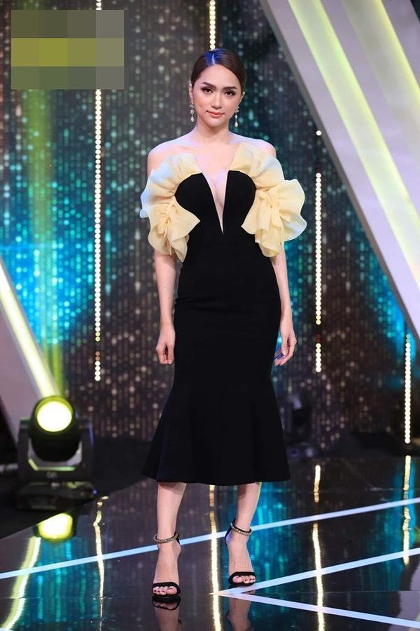 Hoa hậu Hương Giang cãi lời nhà thiết kế, tự biến tấu váy áo và đây là cái kết - Hình 5