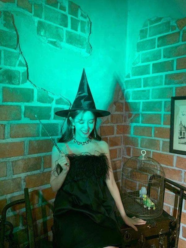 Hyomin khiến nhiều người mê mẩn nhan sắc ngọt ngào khi hóa thân thành cô phù thủy nhỏ - Hình 5
