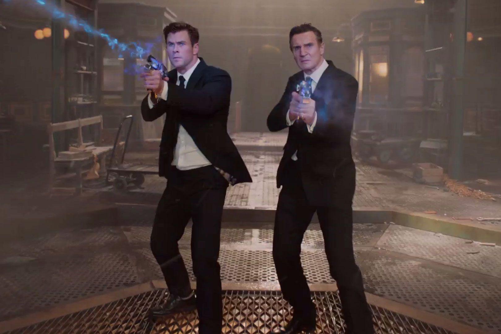 Phần phim mới Men In Black do Thần Sấm Chris Hemsworth đóng chính có gì đáng xem? - Hình 2