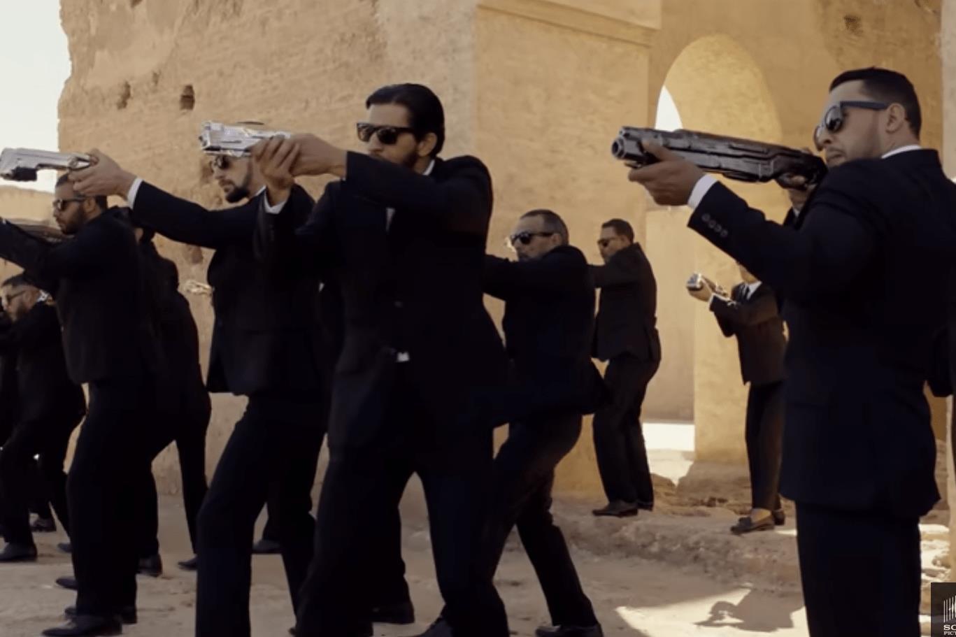 Phần phim mới Men In Black do Thần Sấm Chris Hemsworth đóng chính có gì đáng xem? - Hình 5