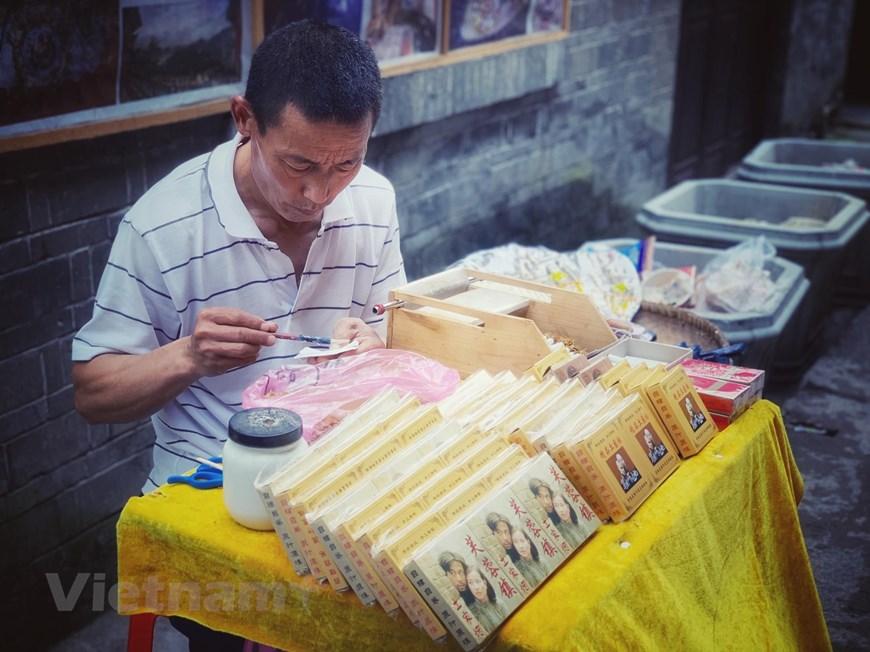 [Photo] Phù Dung trấn: Làng cổ kỳ bí nghìn năm 'treo' trên thác nước - Hình 19