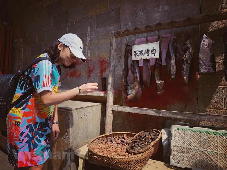 [Photo] Phù Dung trấn: Làng cổ kỳ bí nghìn năm 'treo' trên thác nước - Hình 14