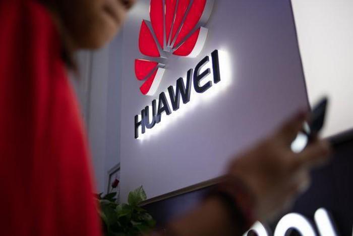 Quan chức Nhà Trắng đề nghị hoãn lệnh cấm Huawei - Hình 1