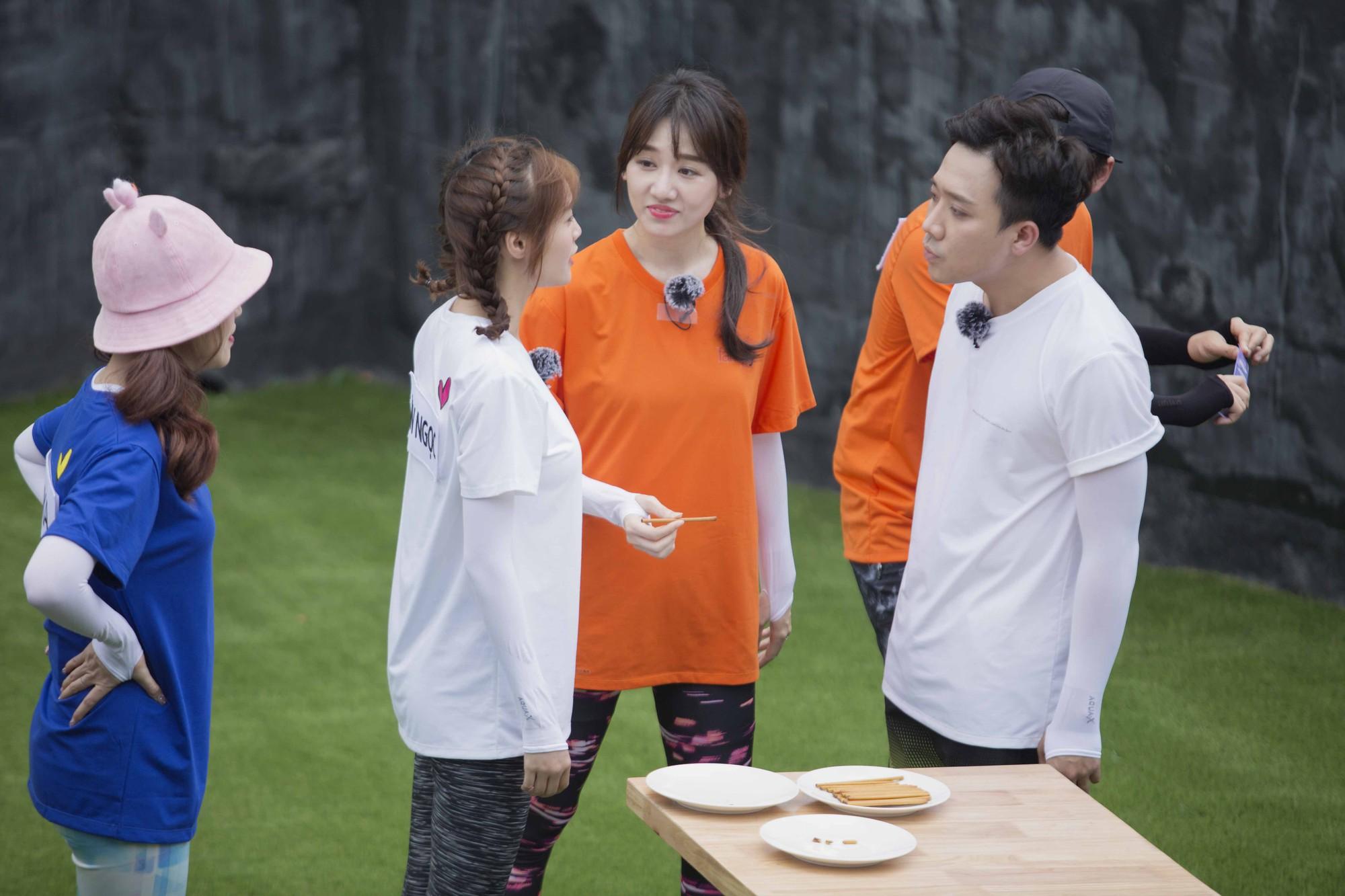 Running Man không lên sóng: Biết Lan Ngọc sắp hôn môi Trấn Thành, Hari Won tung chiêu đánh ghen khiến ai cũng choáng - Hình 4