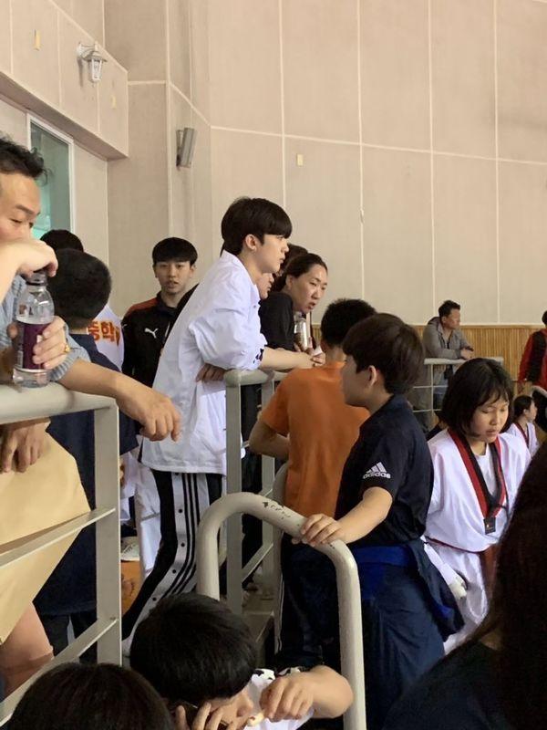Sau trận chiến trên Produce X 101, đây là cuộc sống của Kim Yo Han, Kim Woo Seok và Kim Min Kyu - Hình 6