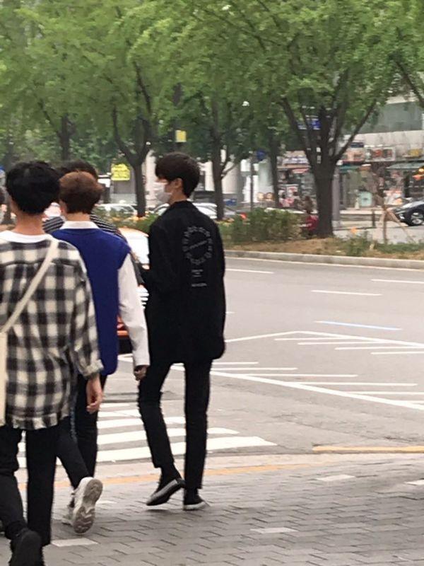 Sau trận chiến trên Produce X 101, đây là cuộc sống của Kim Yo Han, Kim Woo Seok và Kim Min Kyu - Hình 9