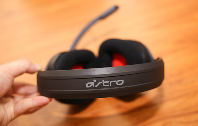 Vặn thử Astro A10, tai nghe gaming bất tử đập xoắn thoải mái cũng không sao - Hình 6