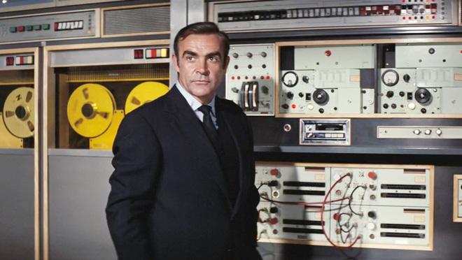 5 món hàng hiếm của điệp viên James Bond mà ai cũng muốn sở hữu: Ước gì có món số 1 để đỡ phải đi shopping! - Hình 13