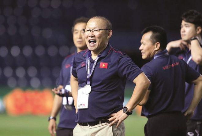Đàm phán hợp đồng với HLV Park Hang Seo: Trận đánh lớn của VFF - Hình 1