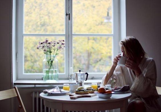Đàn bà lắm cái dại khờ: Yêu chồng thì có, yêu mình thì không! - Hình 1
