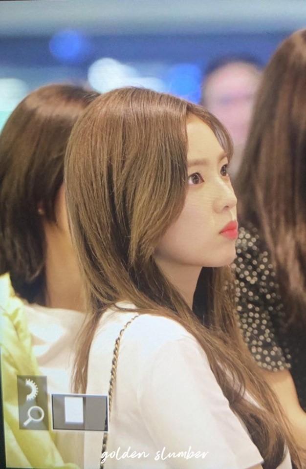 Đây là nhan sắc thật ngoài đời của nữ thần sở hữu gương mặt đẹp nhất nhà SM qua ống kính chớp nhoáng của fan - Hình 10