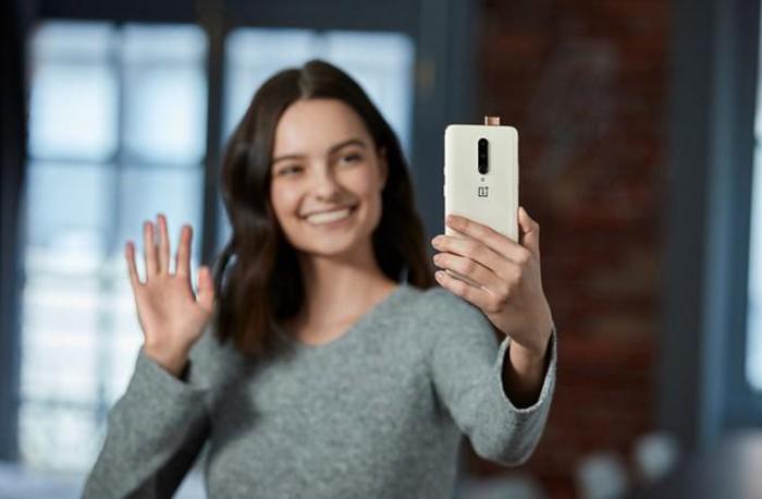 Kẻ hủy diệt OnePlus 7 Pro sẽ có thêm màu vàng hạnh nhân mới - Hình 2