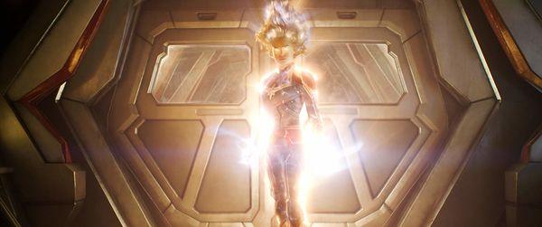Nữ chính trong X-Men: Dark Phoenix gợi liên tưởng đến Captain Marvel của MCU - Hình 5