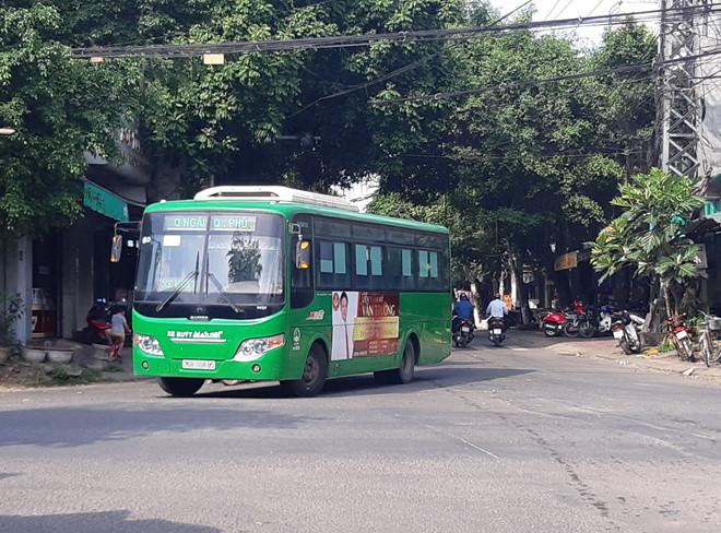 Quảng Ngãi dừng 2 tuyến xe buýt kém hiệu quả - Hình 1