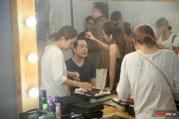 Sara Lưu ân cần chăm sóc Dương Khắc Linh tại hậu trường The Voice Kids: Tình như vợ chồng son là đây! - Hình 2