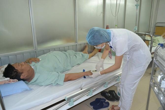 Sở Y tế cấm các bệnh viện Hà Nội thu tiền người nhà bệnh nhân khi thăm, nuôi người bệnh - Hình 1