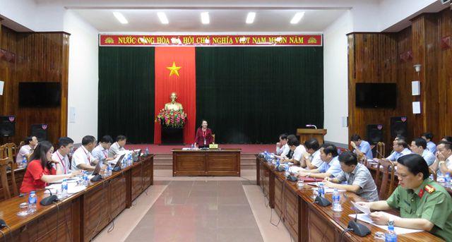 Thứ trưởng Bộ GD-ĐT kiểm tra công tác chuẩn bị cho kỳ thi THPT quốc gia tại Quảng Bình - Hình 2