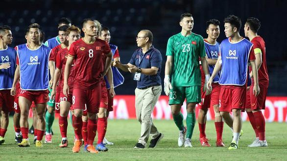 Vì sao HLV Park Hang-seo chỉ gọi 27 cầu thủ dự vòng loại World Cup? - Hình 1