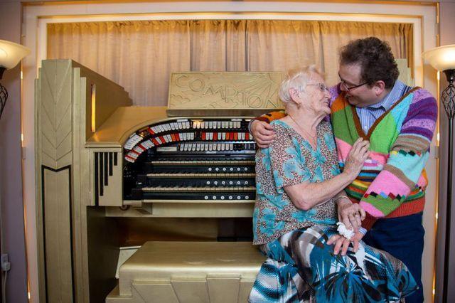 Cụ bà 83 hơn chồng 40 tuổi vẫn yêu đương bùng cháy - Hình 3