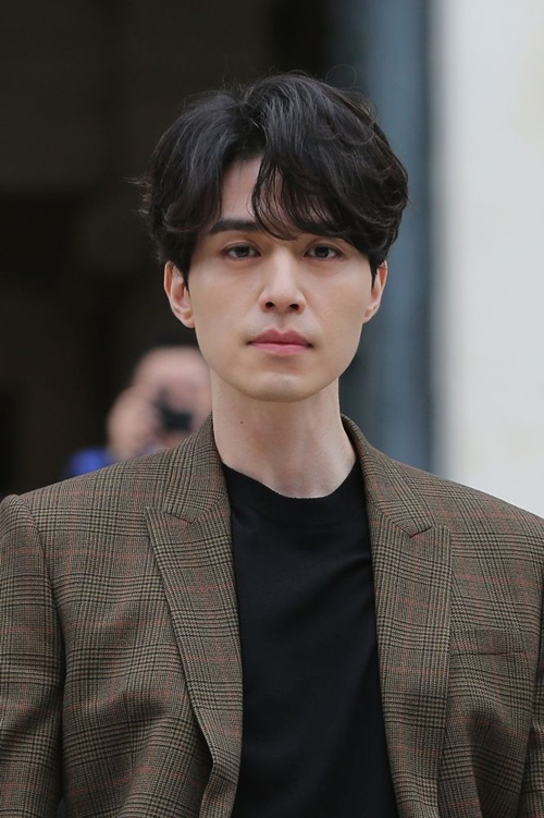 Đi tìm những kiểu tóc nam hợp mặt trai châu Á nhất 2019 - Hình 10