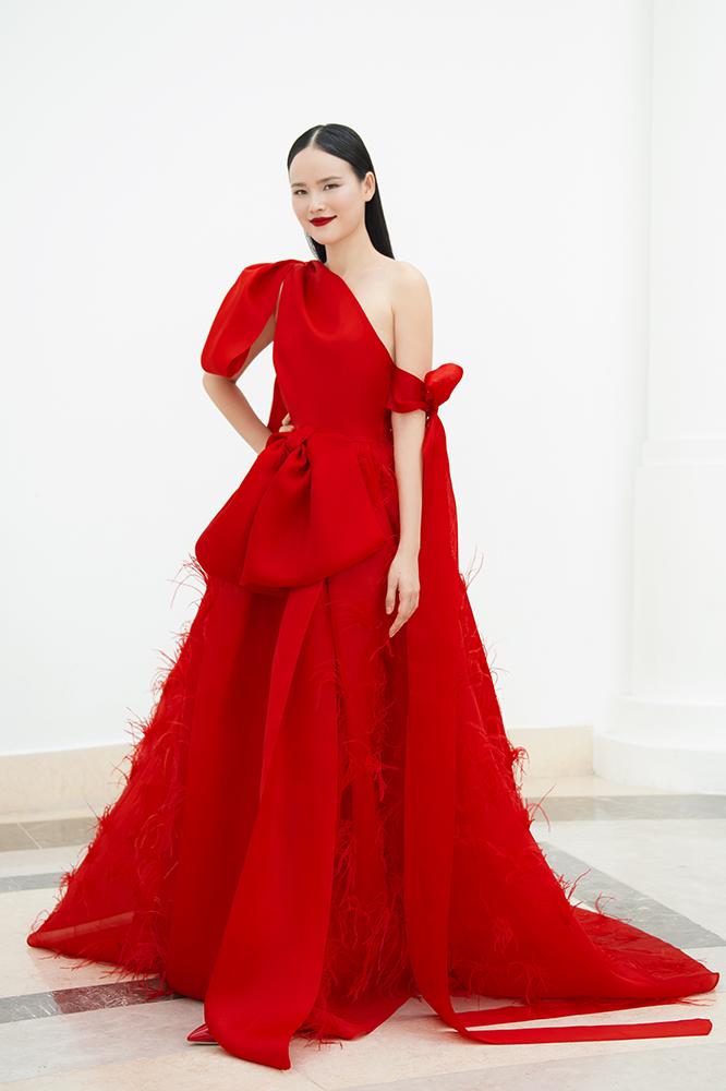 Lần đầu ngồi ghế nóng HLV, chị đại Tuyết Lan đầu tư 5000 USD cho trang phục xuất hiện - Hình 7