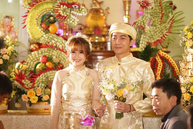 Mai Quỳnh Anh bị soi vòng bụng to bất thường trong đám cưới, dân tình xôn xao: Chắc phải hơn 3 tháng? - Hình 1