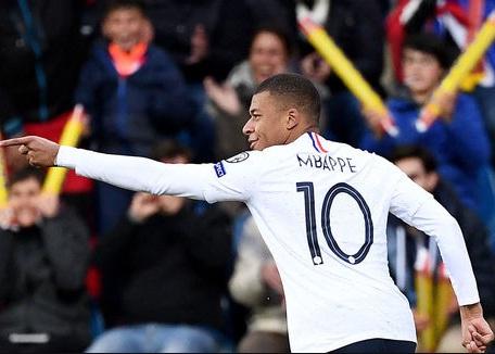 Mbappe chính thức lên tiếng về khả năng đến Real Madrid - Hình 1