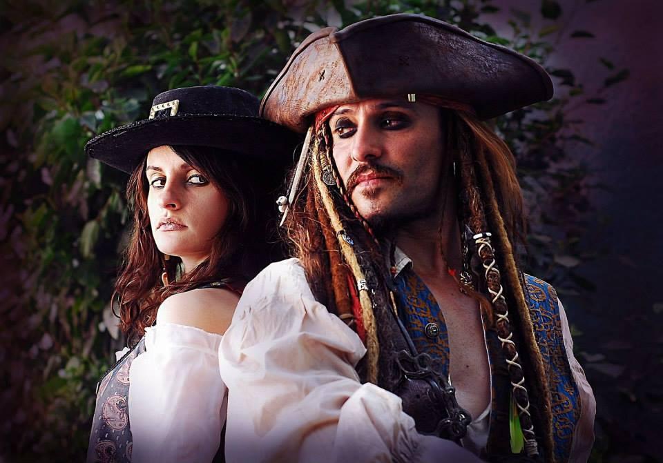 Nữ cướp biển xinh đẹp Angelica Teach - Hình 2