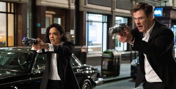 Review 'Men In Black International': Đây đích thực là những gì cần có ở một bộ phim về đặc vụ áo đen - Hình 1