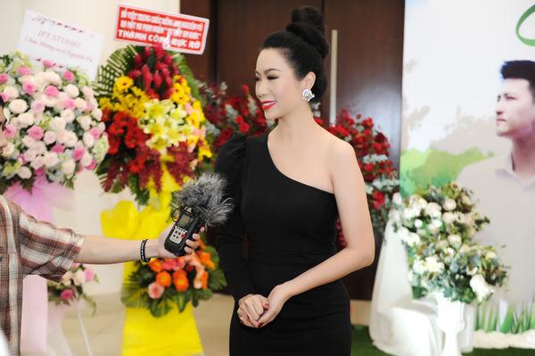 Sau thời gian dài vắng bóng, Nguyên Vũ bất ngờ ra mắt phim ca nhạc Sợ thấy em khóc mở đường cho chuỗi dự án 2019 - Hình 6