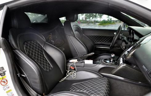 Siêu xe độ Audi R8 đời 2008 giá hơn 3 tỷ tại <a href='/tag/Việt+Nam'>Việt Nam</a> - Hình 2