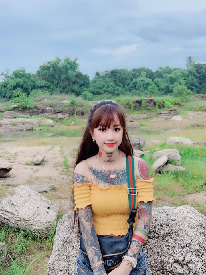 Thiếu nữ 19 tuổi ở An Giang xăm kín người, sở thích lạ khiến ai gặp lần đầu cũng sửng sốt - Hình 6