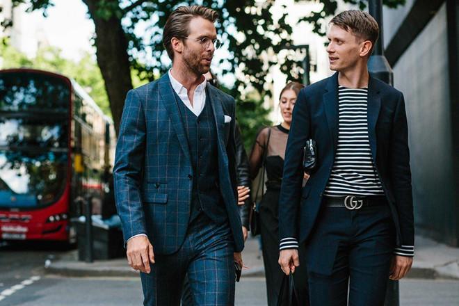 4 kiểu áo thun không thể thiếu với chàng trai sành điệu - Hình 5