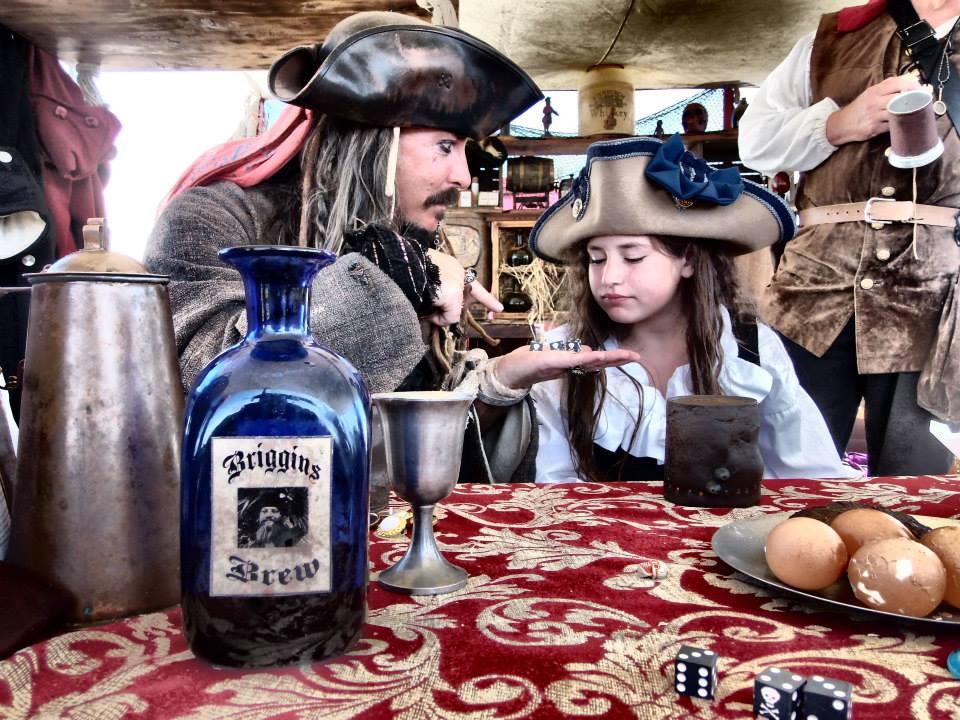 Cosplay gã cướp biển được yêu thích nhất mọi thời đại Jack Sparrow - Hình 4