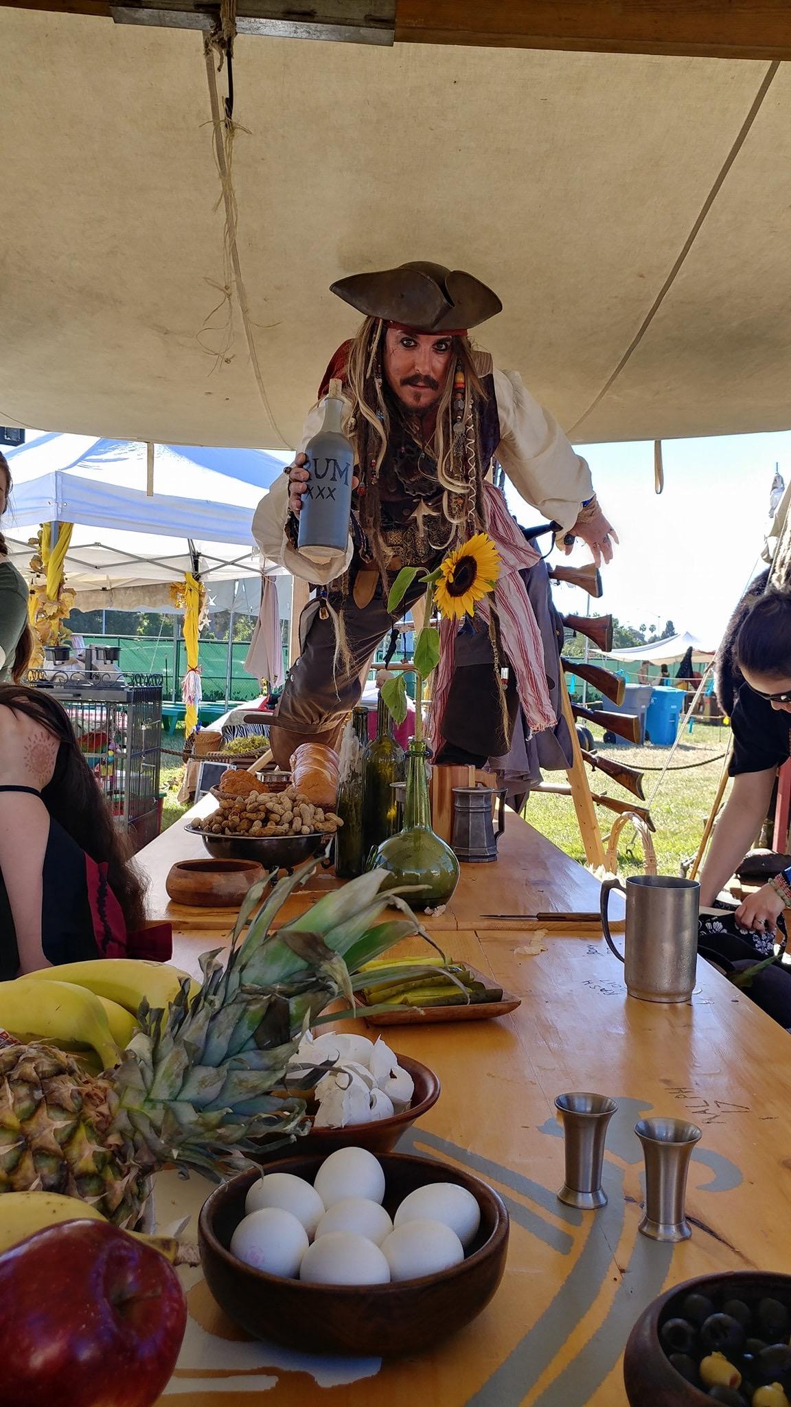 Cosplay gã cướp biển được yêu thích nhất mọi thời đại Jack Sparrow - Hình 6